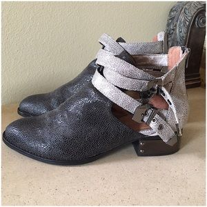 JEFFREY CAMPBELL EVERLY BOOTIE SIZE 9.5